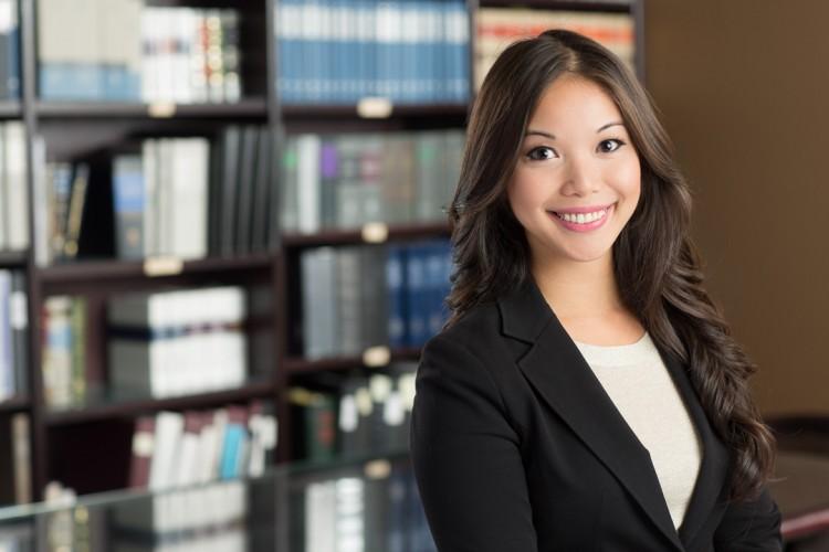 Headshot of a woman lawyer